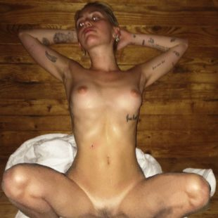 Miley Cyrus Leaked Nude And Naughty Thefappening Photos