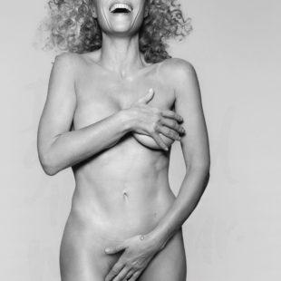 Gillian Anderson Nude And Bikini Photos