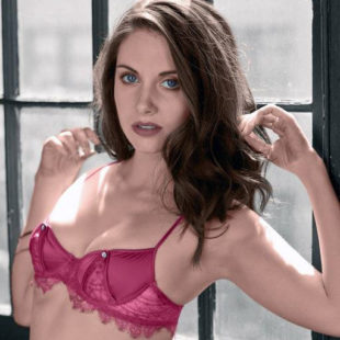 Alison Brie Leaked Frontal Nude And Naughty Thefappening Photos