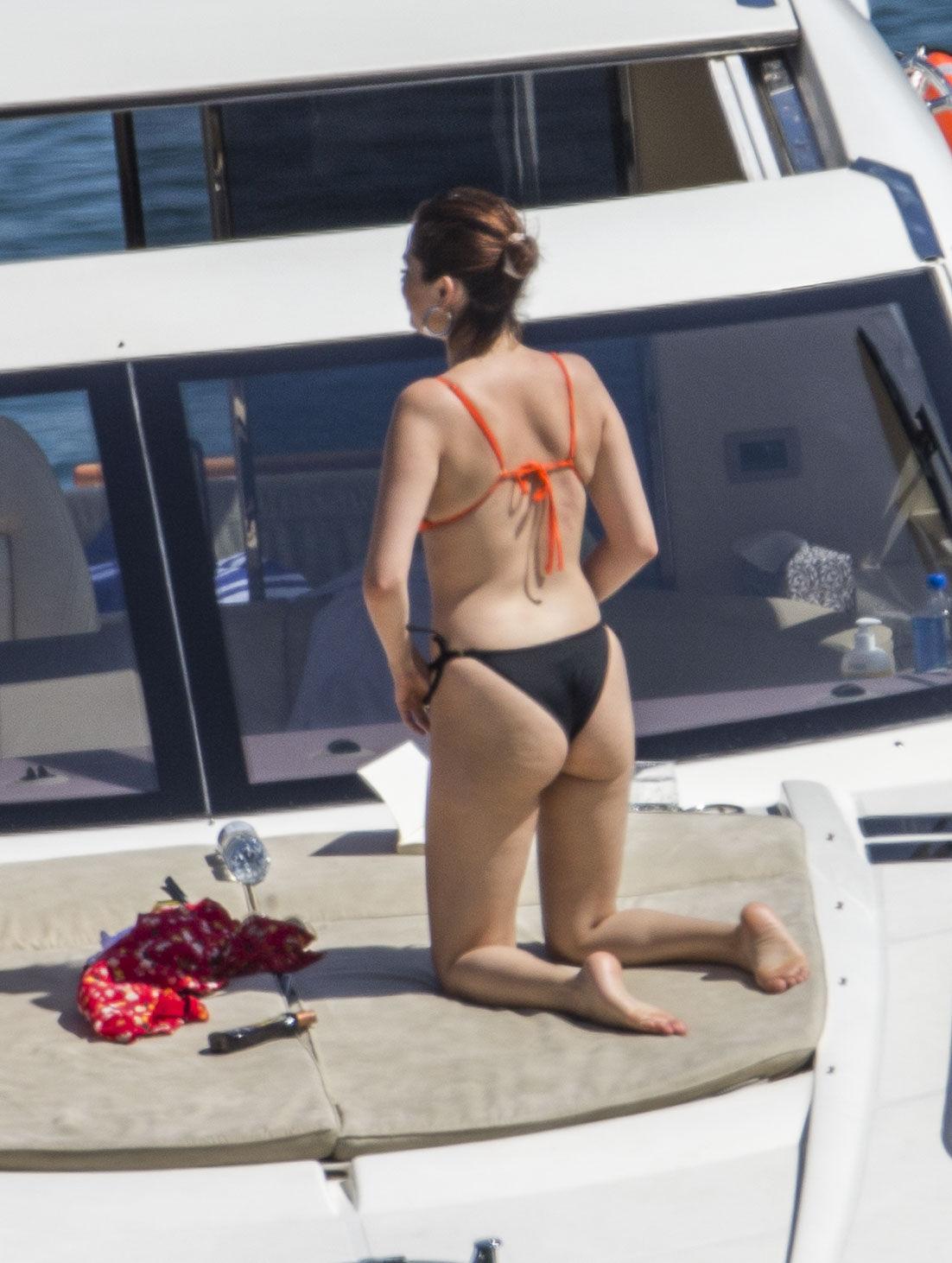 Selena Gomes nude
