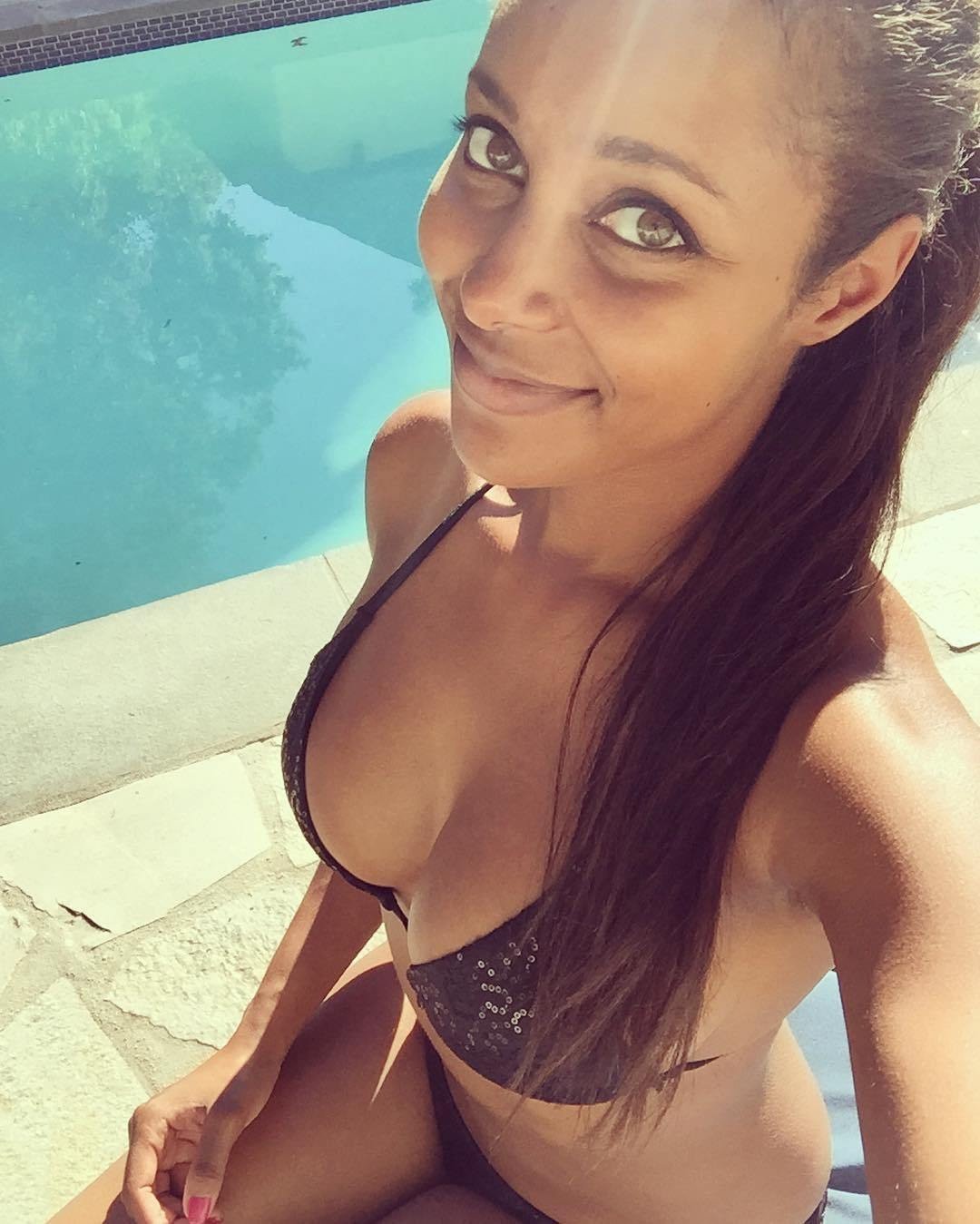 Brandi Rhodes Frontal Nude Selfies Leaked - Thefappening.link