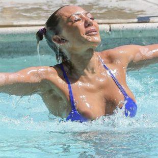 Melanie Brown Caught By Paparazzi Wearing Sexy Bikini