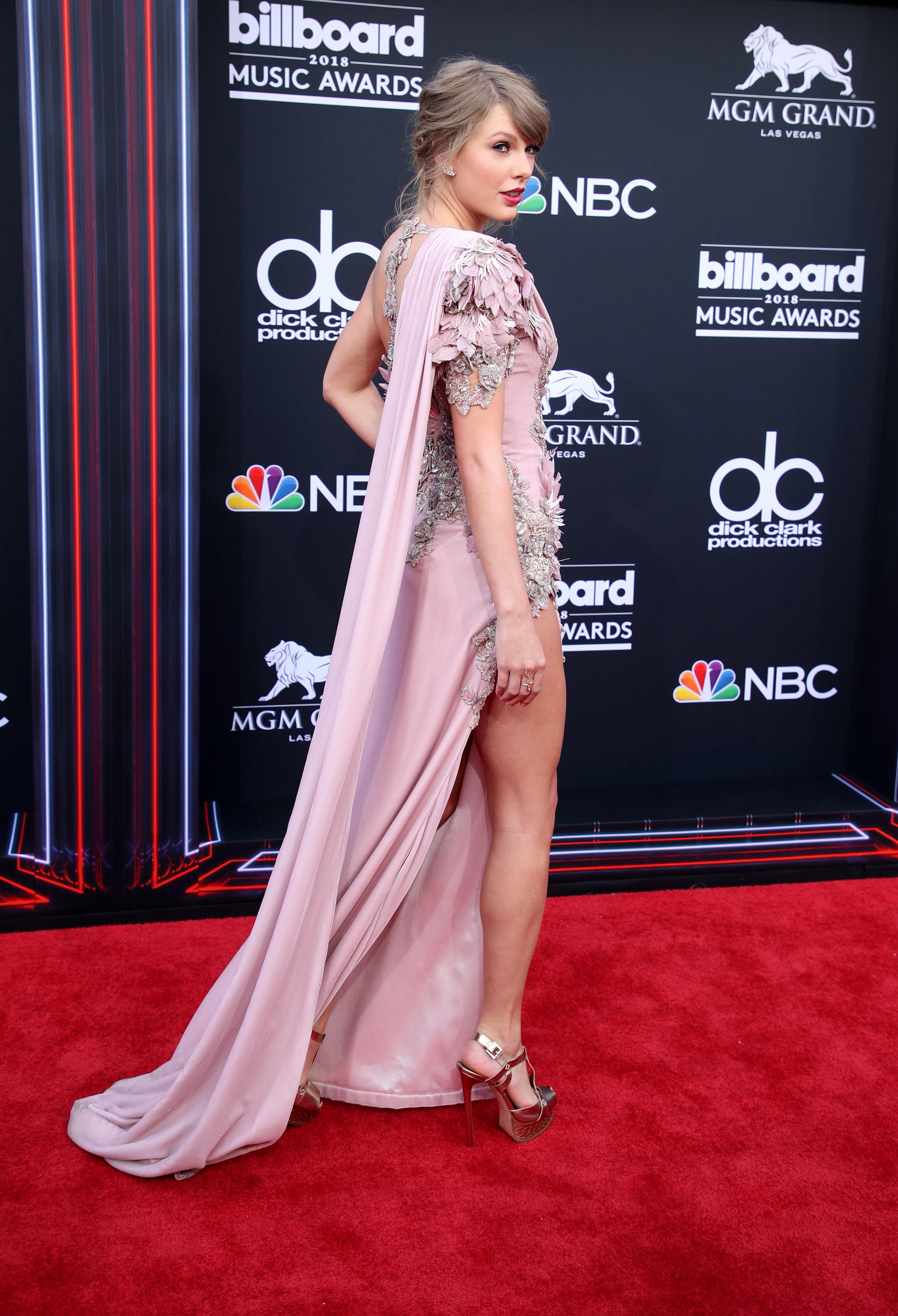 Taylor Swift Paparazzi Panties Upskirt Shots - PlayCelebs.net