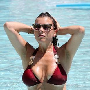 Imogen Thomas Exposing Her Plump Body In A Bikini