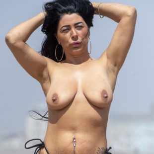 Simone Reed New Topless Beach Pictures
