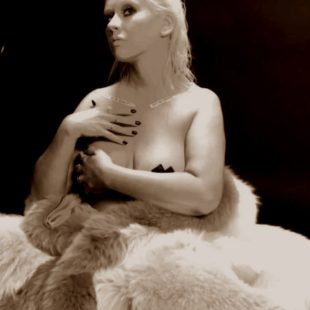 Christina Aguilera Topless And Sexy Pasties Pictures