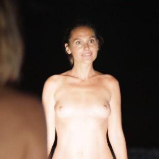 Virginie Ledoyen, Marie-Josee Croze & Axelle Laffont Naked In MILF (2018) HD