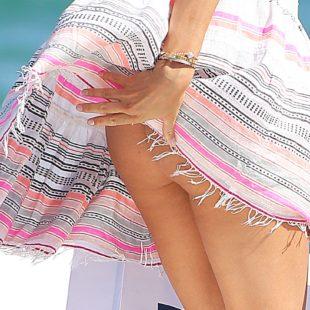 Natasha Poly Paparazzi Ass Upskirt Photos
