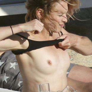Stephanie Pratt Topless And Bikini On A Beach