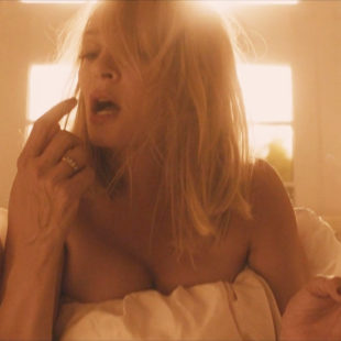Uma Thurman Nude Lesbian Sex Scenes From The Con Is On (2018)