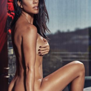 Glamour Model Kourtney Kardashian Nude And Sexy For GQ