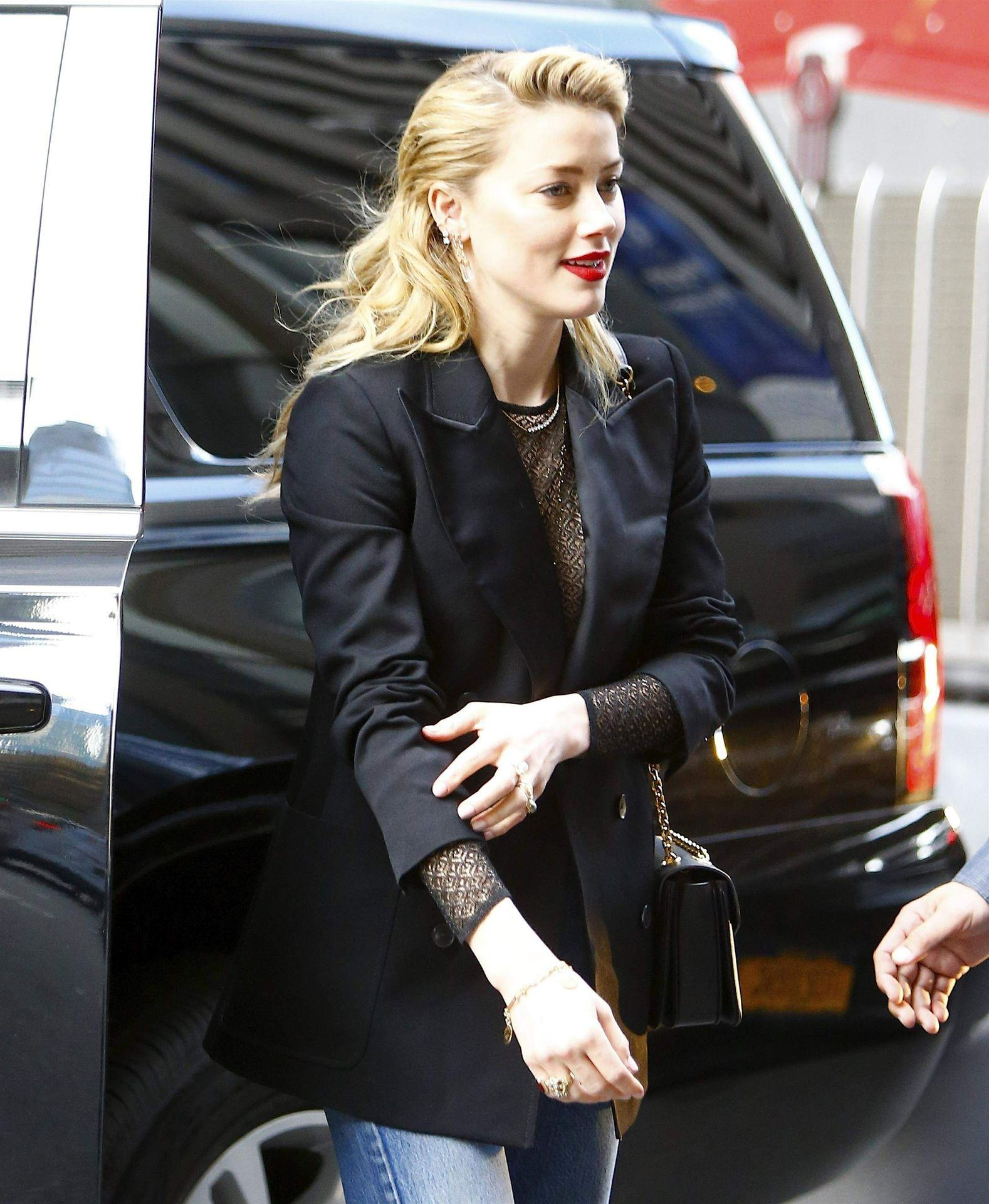 Amber Heard Braless And Side Boobs Shots - Thefappening.link