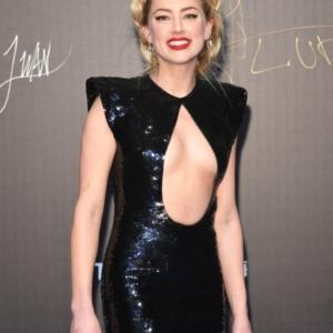 Amber Heard Flashing Her Bare Tits And White Panties