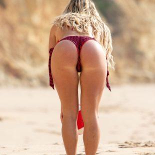 Bianca Gascoigne Exposing Her Stunning Body In Bikini On A Beach