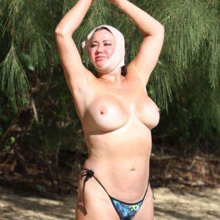 Lisa Appleton Nude Topless On A Beach