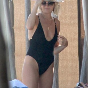 Malin Akerman Caught By Paparazzi In Swimsuit On a Beach