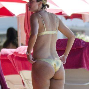 Celebrity Model Rhea Durham Areola Slip And Bikini Photos