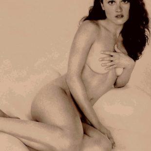 Actress Robin Tunney Nude And NipSlip Shots