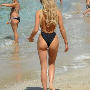 Georgia Harrison Exposing Her Perfect Butt In Swimsuit