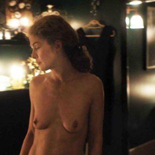 Rosamund Pike Nude In A Private War (2018)