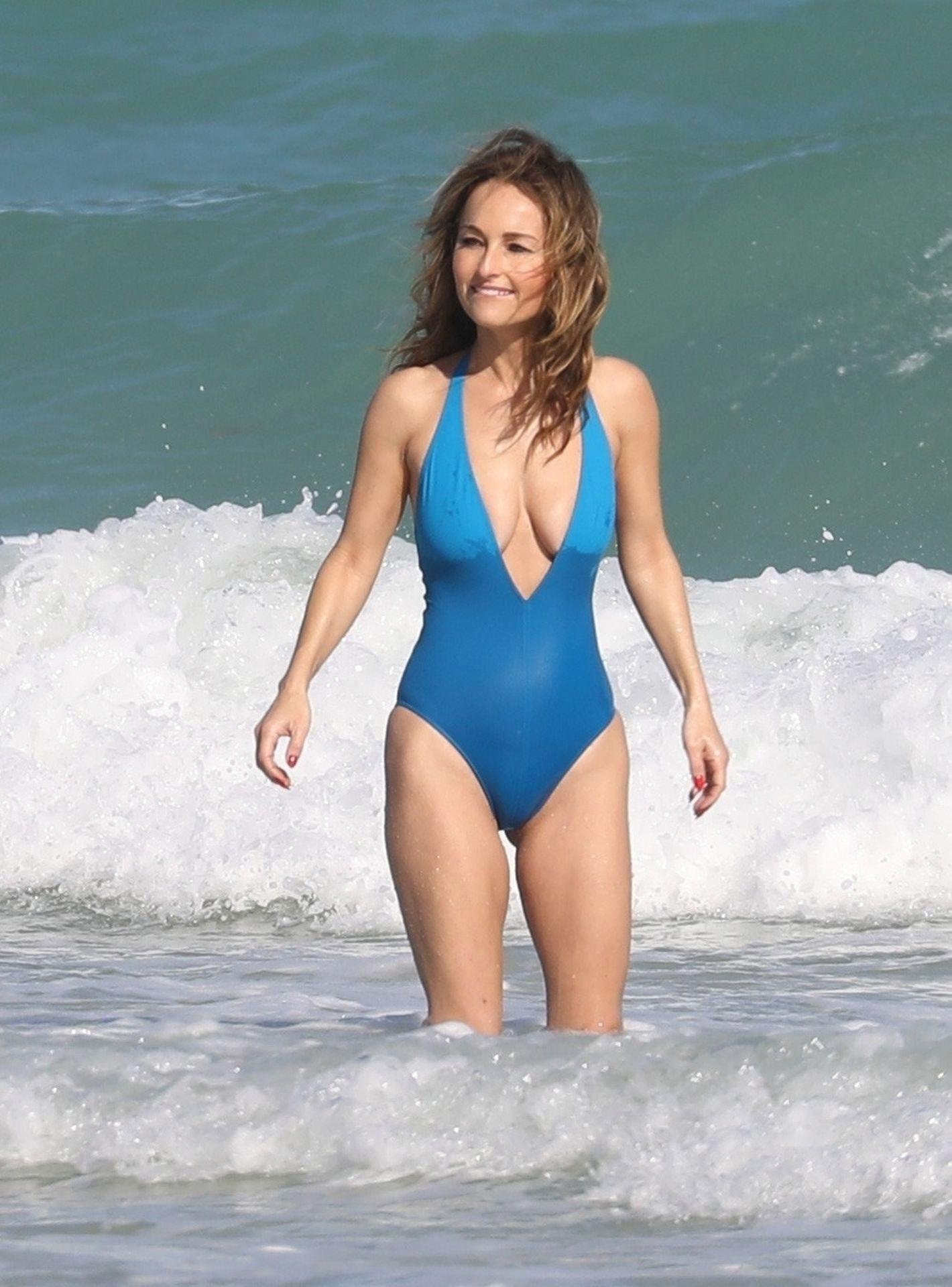 American-Italian Chef Giada De Laurentiis Boobs Slip & Swimsuit Photos - Thefappening.link