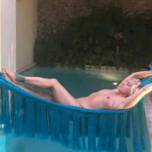 Singer Jane Wiedlin Nude And Hot Photos