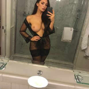 Rosie Roff Leaked Naked Selfies In The Mirror