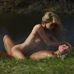 Super Model Stella Maxwell Nude Photoshoot