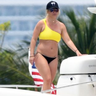 Britney Spears Paparazzi Bikini Yacht Photos