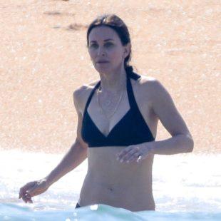 Courteney Cox & Jennifer Aniston Paparazzi Bikini Shots