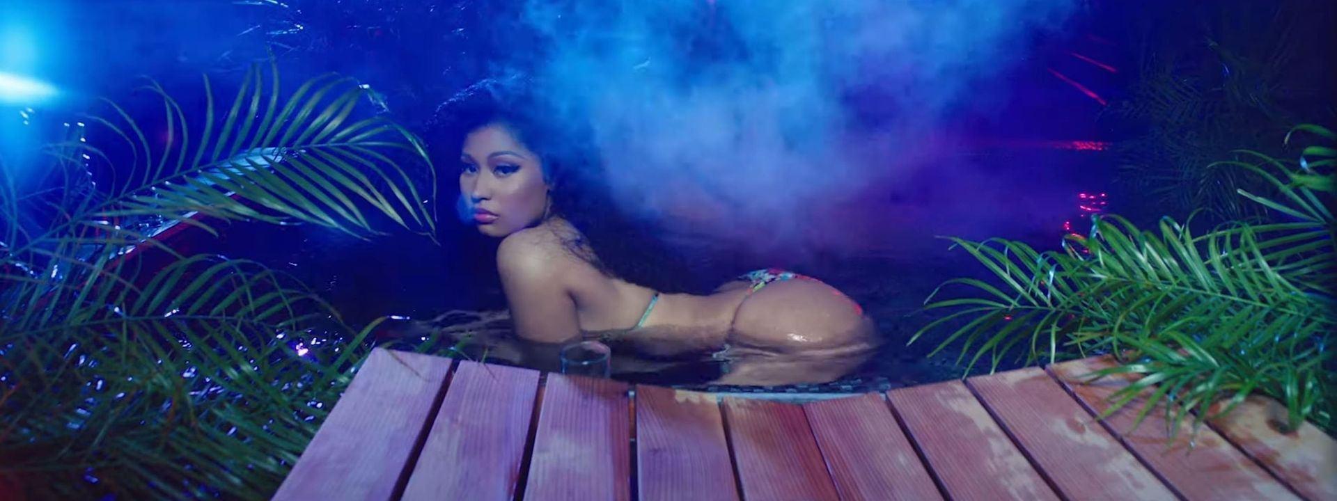 Stars Nicki Minaj Almost Naked Pictures