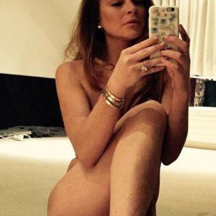 Lindsay Lohan Nude And Lingerie Selfie Photos