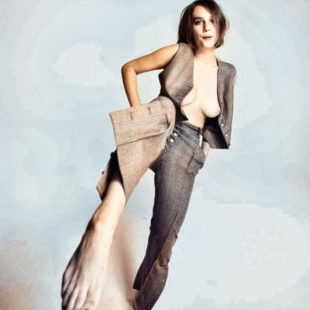 Maya Hawke Nude And Sexy Photoshoot