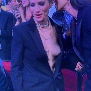Megan Rapinoe Nude And Tiny Bikini Photos