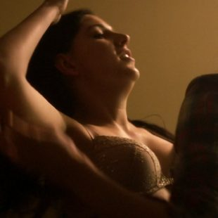 Vanessa Leigh & Brianna Hellernude Nude Lesbian Sex In One Remains (2019)