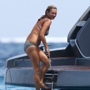 Kate Moss Looks Still Sexy In Wet Bikini