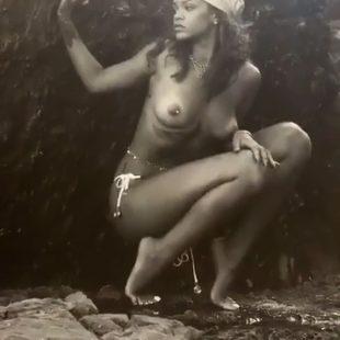 Rihanna Nude And Sexy Photos