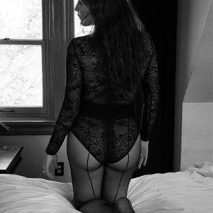 Liv Tyler Nude And Transparent Lingerie Photos