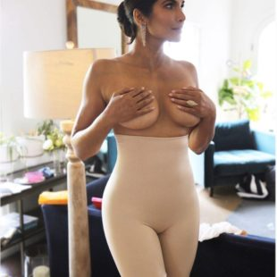 Padma Lakshmi completely nude and sexy photos