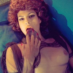 Eve Mendes Totally Naked And Naughty Photos