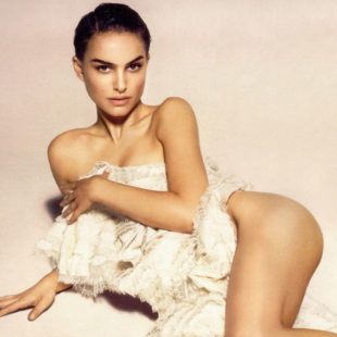 Natalie Portman Nude And Sexy Photo Collection