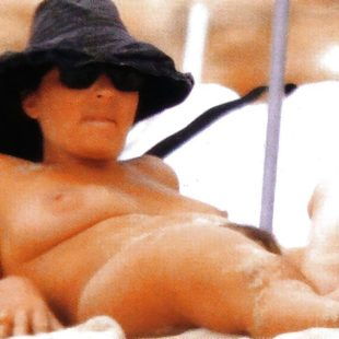 Camila Raznovich Nude Pussy And Tits On A Beach