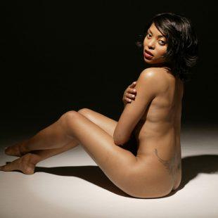 Taraji P. Henson Nude And Wet Bikini Photos