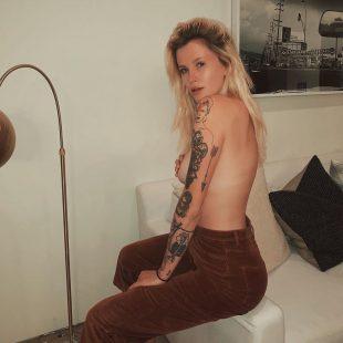 Ireland Baldwin Nude And Sexy Lingerie New Photos
