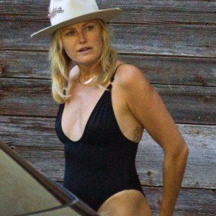 Malin Akerman Paparazzi Tight Swimsuit Photos