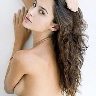 Gal Gadot Nude Topless & Hot Lesbian Kiss